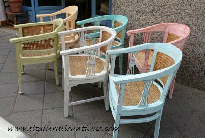 Shabby chic pintar sillones de colores el taller de for Muebles de mimbre pintados