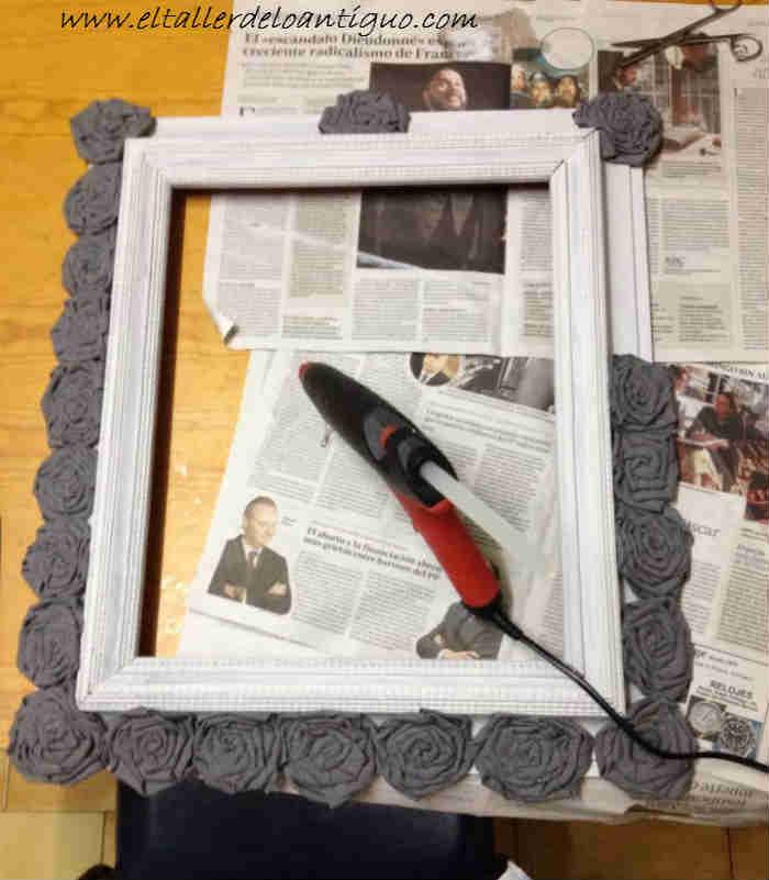 reciclar un marco con rosas shabby el taller de lo antiguo