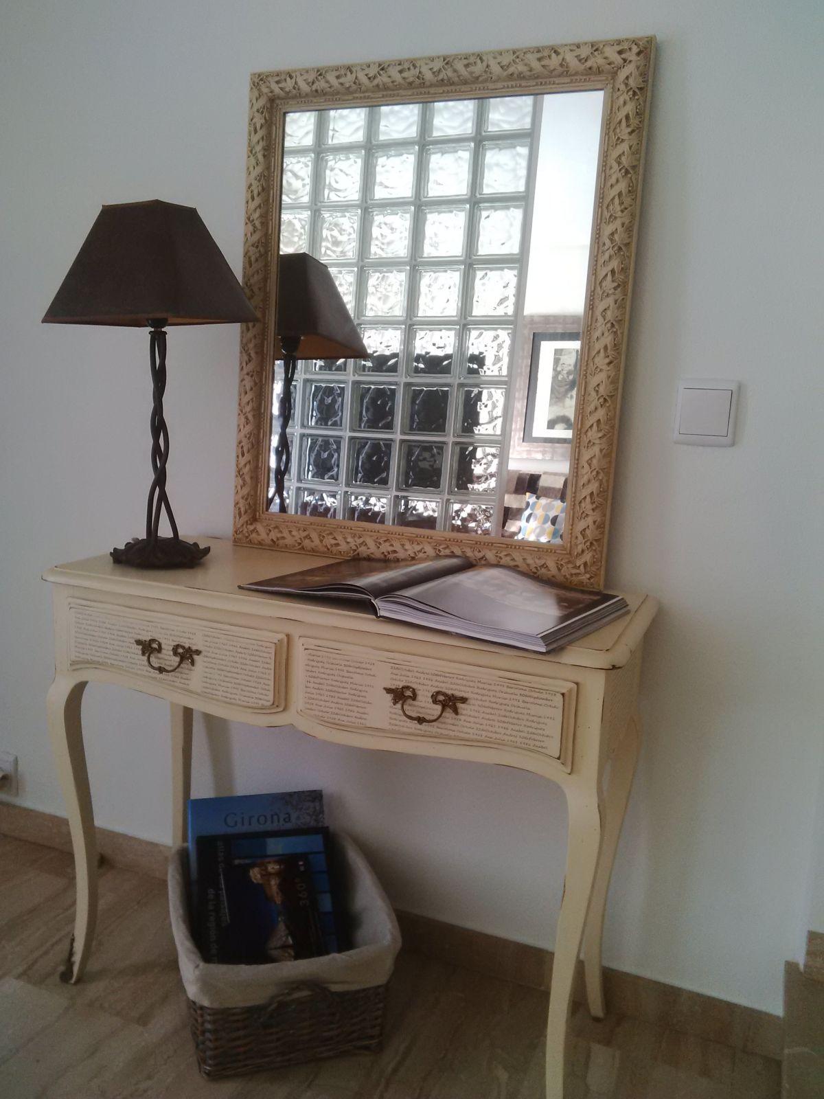 Pintar recibidor en lino el taller de lo antiguo for Como pintar muebles antiguos