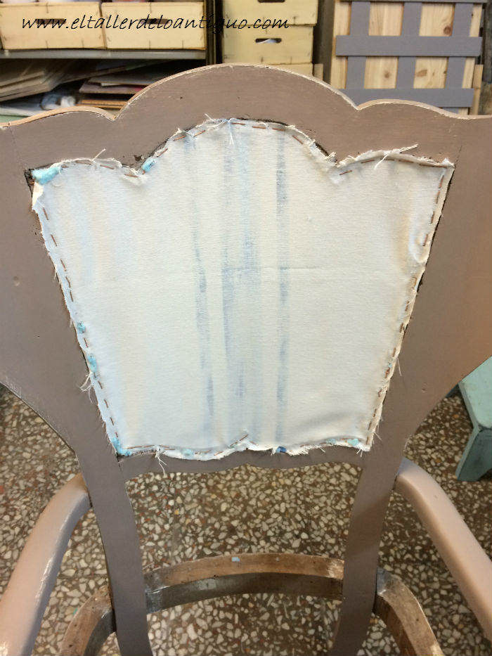Como tapizar un respaldo de silla el taller de lo antiguo - Grapadoras para tapizar ...
