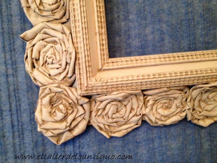 Reciclar un marco con rosas shabby el taller de lo antiguo - Como hacer un marco para un cuadro ...
