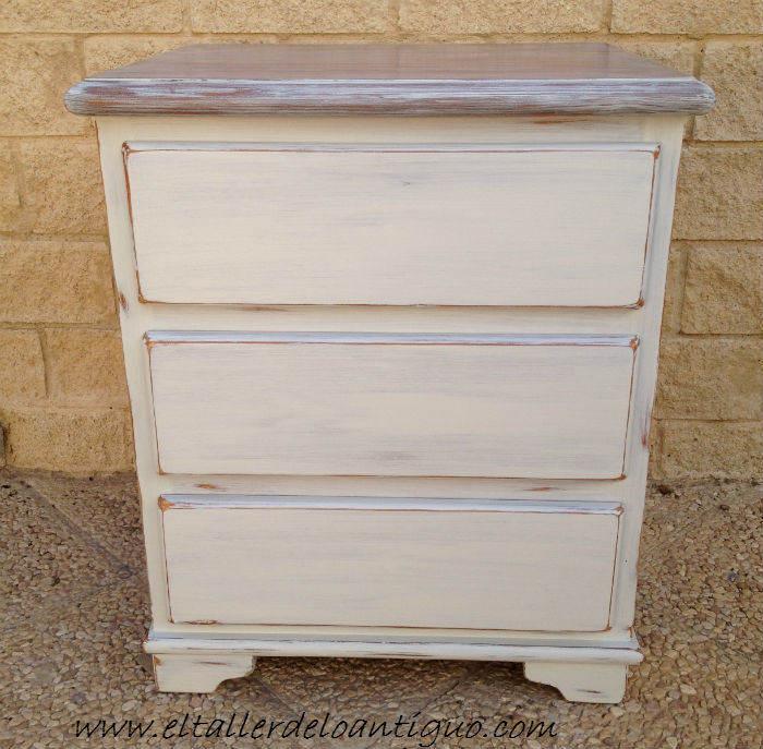 Pintar pino en decap blanco el taller de lo antiguo - Pintar muebles antiguos en blanco ...